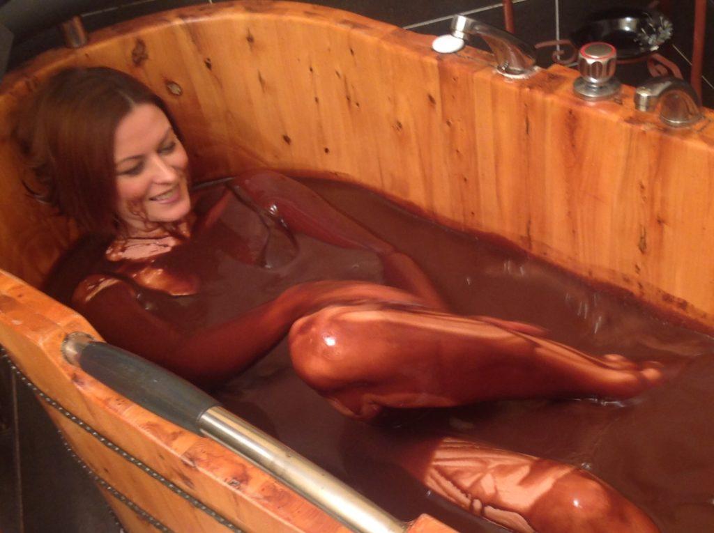 Capodanno con tuffo nel cioccolato un magico evento by - Bagno di cioccolato ...